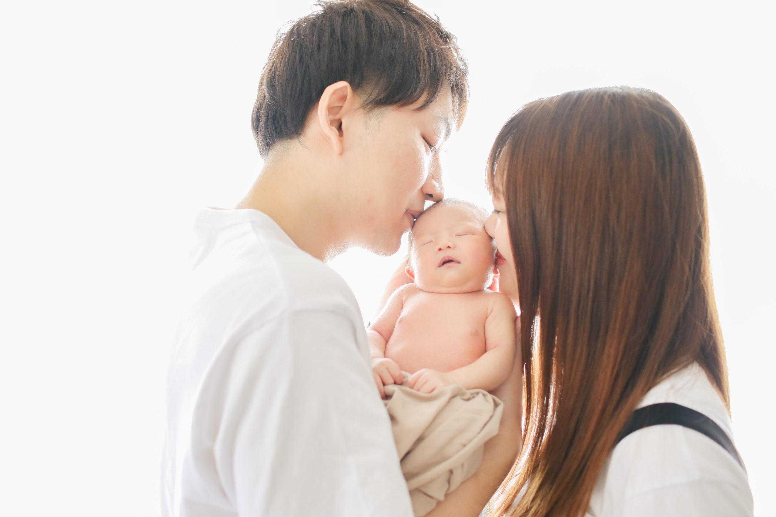彼氏彼女から夫婦へ、そして父と母になる。